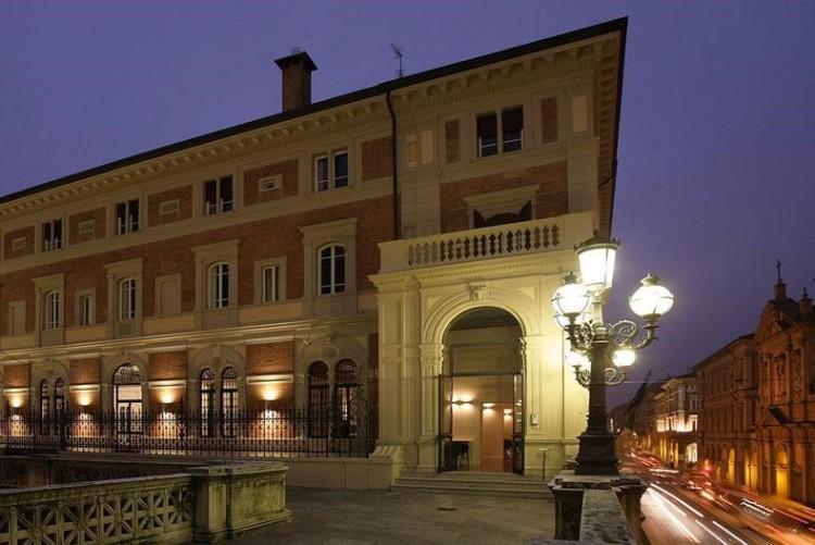 portici-hotel-bologna-home-terrazza-4-2